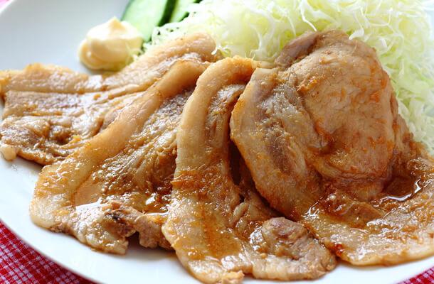 豚の生姜焼きとキャベツ